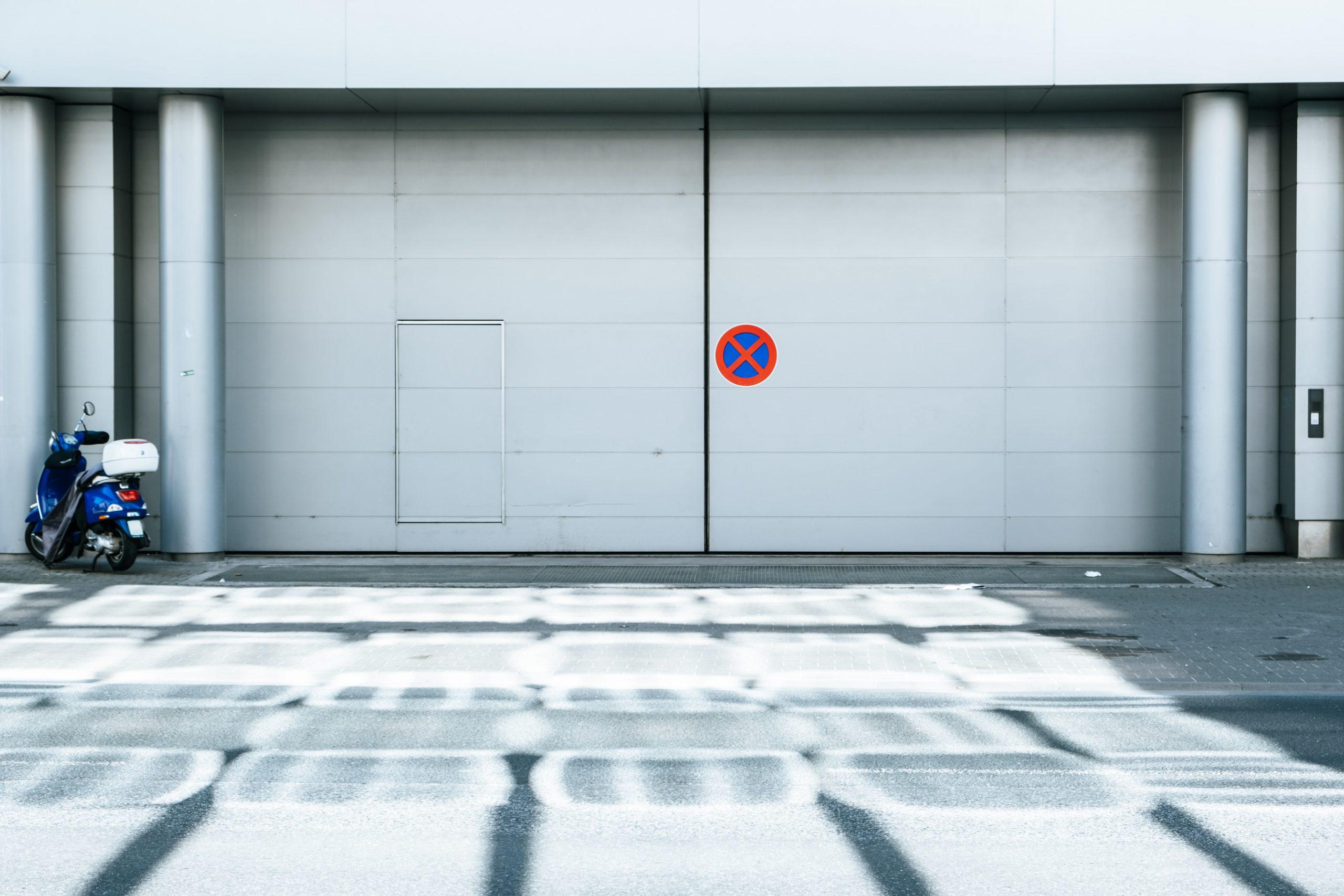 Türen und Tore - AAB – Aufzug & Autoparksysteme Berlin in Essen